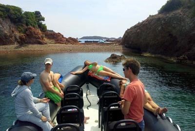 Sortie en mer au départ d'Agay en bateau moteur